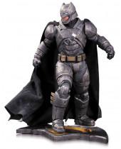 Batman v Superman Dawn of Justice Statue Armored Batman 32 cm
