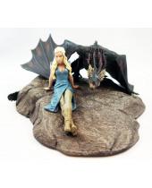 Game of Thrones socha Daenerys and Drogon 23 cm